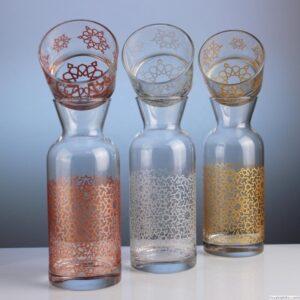סט בקבוק וכוס ממותגים