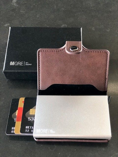 ארנק מאובטח NFC+ RFID שולף כרטיסים